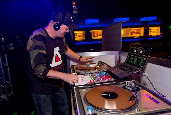 DJ COZ